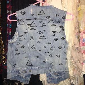 100% cotton Levi's evil eye distressed denim vest